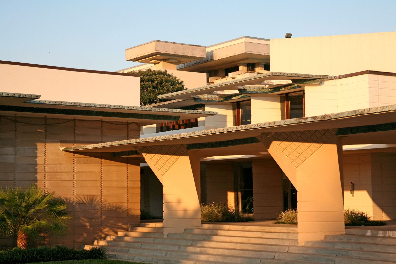 A child of the sun the west campus of florida southern - Frank lloyd wright structures ...